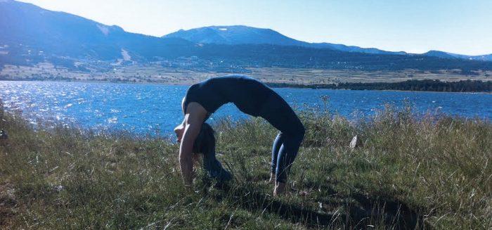 Clase de Ashtanga Vinyasa Yoga en Sopa Barcelona