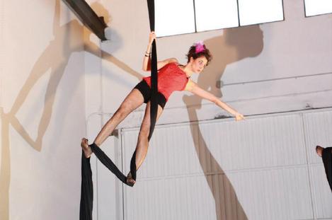 Taller de Danza sobre Telas en Onair